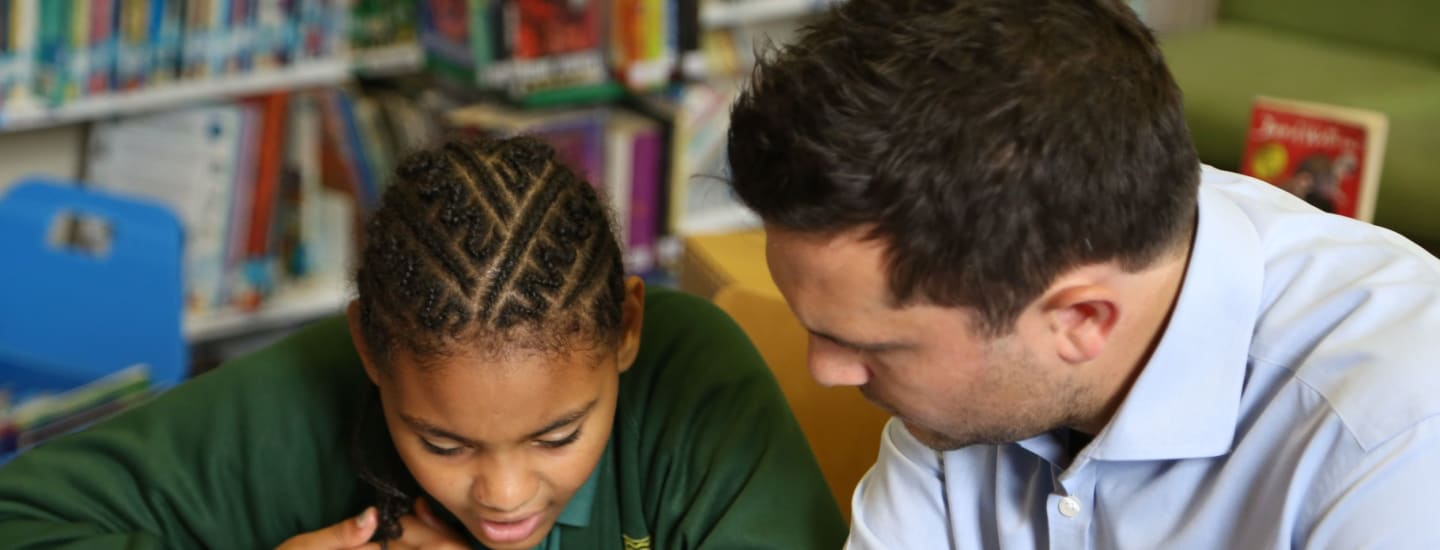 Vision for Literacy Business Pledge 2018: Tackling the UK's growing literacy and social mobility crisis